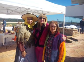 "Marta Díaz, Mar Andrés y Lola, maestra artesana de muñecas ""Ses Pepas"""